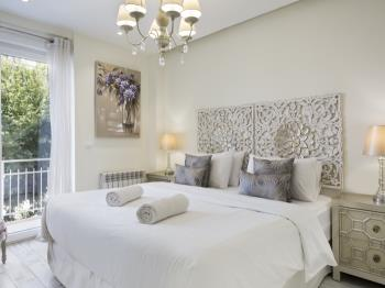 Sitges Centre Mediterranean Apartments 9 Bedroom - Apartamento en Passeig Vilafranca 18, Entresuelo 1º + 2º,  Sitges